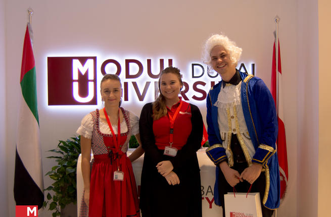 MODUL_University_Dubai_representatives_during_the_Orientation_Week.jpg